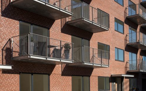 Apartment Building in Valby, Facing Brick W 465 Roed Nuanceret